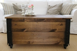 Couchtisch Truhe Holzkiste Beistelltisch Vintage shabby chic Landhaus Massivholz nussbaum -